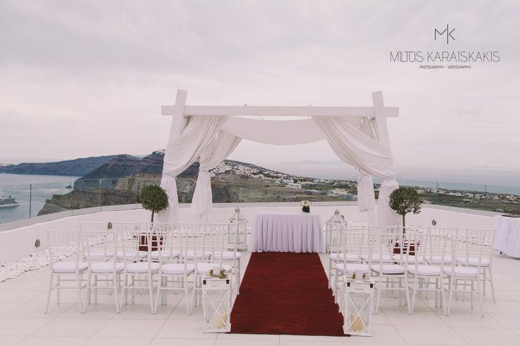 #weddingideas #weddingphotographer #red #capret #white #candles #before #wedding #decoration #unique #view #volcano #ship #ceremony #oia #mykonos #folegandros #Greece #miltoskaraiskakis
