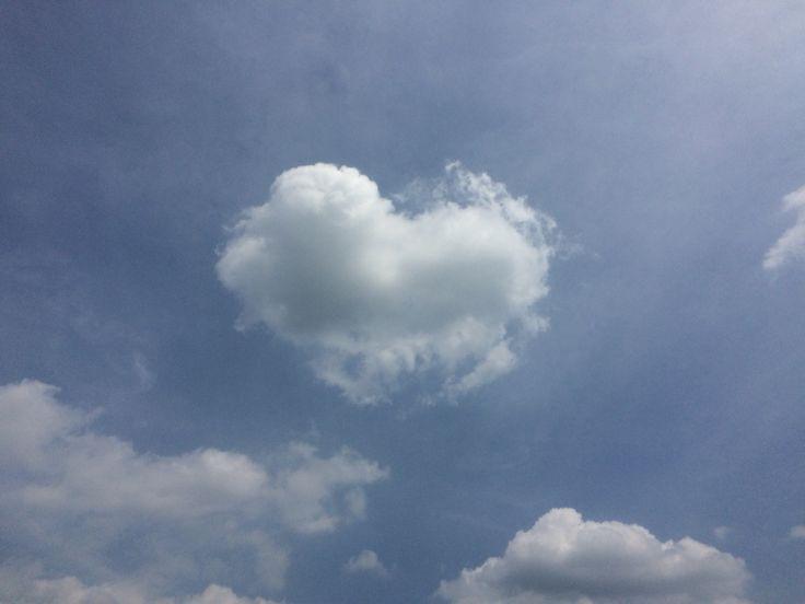 하늘이  내게 사랑을 주셨다. #cloud #love #sky