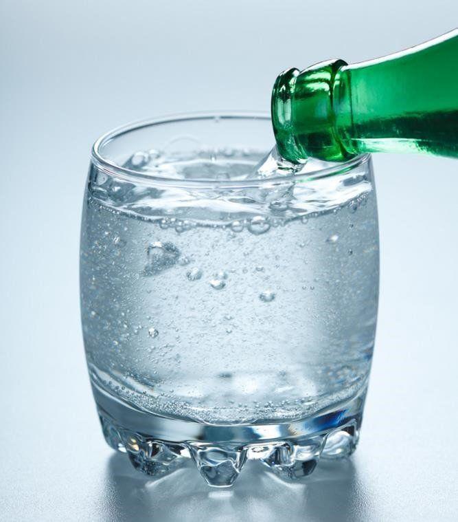 Beneficios De Belleza Del Agua Con Gas Para Tu Piel Beneficios