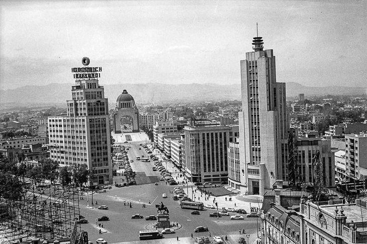"""EL MILAGRO MEXICANO  A mediados del siglo XX, México sorprendió al mundo con un espectacular crecimiento económico que trajo consigo beneficios sociales, educativos y salariales. El """"milagro mexicano"""" asombró a todos los organismos internacionales porque alcanzó niveles de crecimiento similares a los de los países de primer mundo y fue puesto como ejemplo por su acelerado progreso entre 1958 y 1970."""