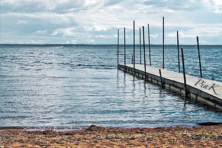 A silent beach... by PiaK