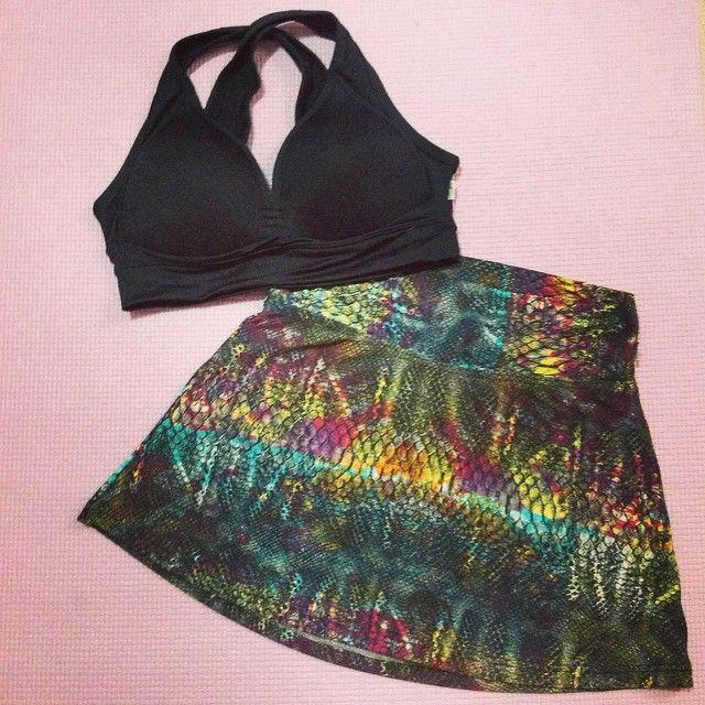 Segunda-feira é dia de voltar para academia! E nada com um look novo, lindo e cheio de estilo para dar ainda mais animação! Olha que graça a Saia Sharon com estampa de conta! Arraso né? Esse look e muitos outros estão disponíveis na nossa loja virtual! www.lojachicboom.com.br #lojachicboom #lojafitness #fitness #lookfitness #academia #shortssaia #saia #cobra #amimalprint #estilomoda #roupa #gym #boramalhar #malhar #treino #look #lookdodia