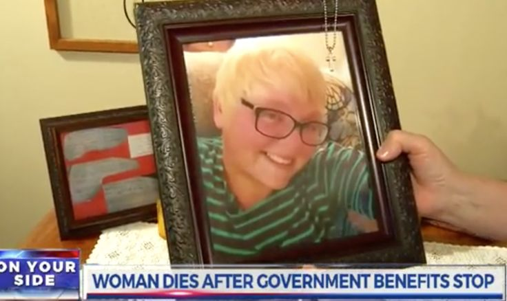 Amy Schnelle died a month ago due to an epileptic seizure she suffered at her home in Knoxville, Tennessee. The 31-yr-old former factory worker had suffered from severe seizures and was on disability. Her government subsidized benefits were cut and soon after, she died!