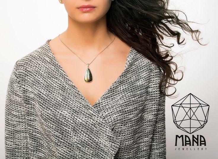 Labradorite silver necklace by Mana Jewellery   Etsy.com/ManabyGekova