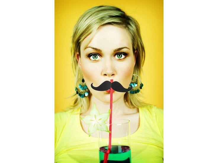 Słomki z wąsem - zabawny gadżet, który świetnie sprawdzi się podczas sesji zdjęciowej na wieczór panieński