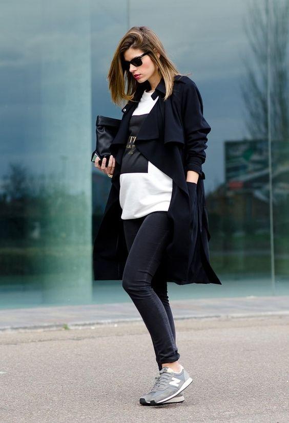 Suéter oversized y blusón con leggins y tennis, perfecta para tus diligencias diarias