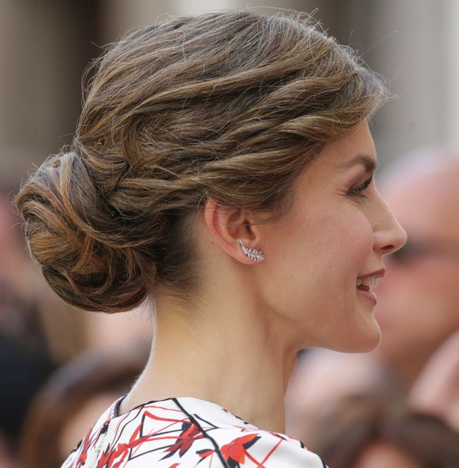 24 April 2017 - State visit to Canarias Islands (day 1) - dress by - 245 Best Royal Hair: SPAIN Images On Pinterest Hairstyles, Royal