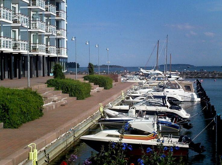Aurinkolahti moorings boats, Helsinki. - photo rai-rai