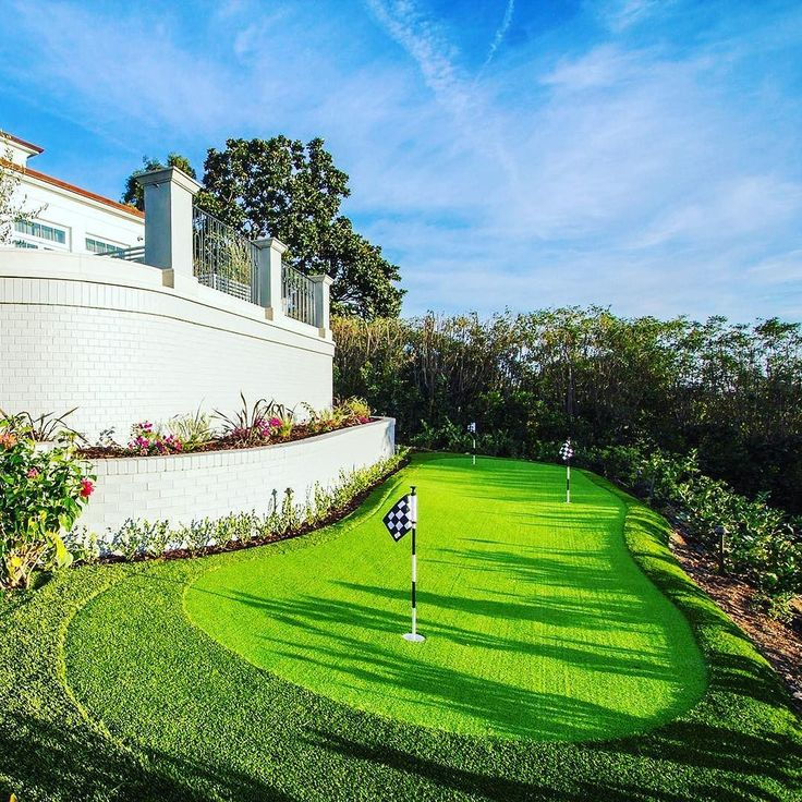 We thought we'd celebrate #StPatricksDay at #130SBurlingame... because a private putting #green.  Enjoy a Guinness and work on your short game in the privacy of your own luxurious home.   To learn more about this phenomenal estate please visit the #linkinbio | #carswellandpartners.com | #luxuryrealestate #realestate #luxuryhome #homeforsale #losangelesrealestate #Brentwood #BrentwoodPark #socal #saintpatricksday #puttinggreen #telesproperties