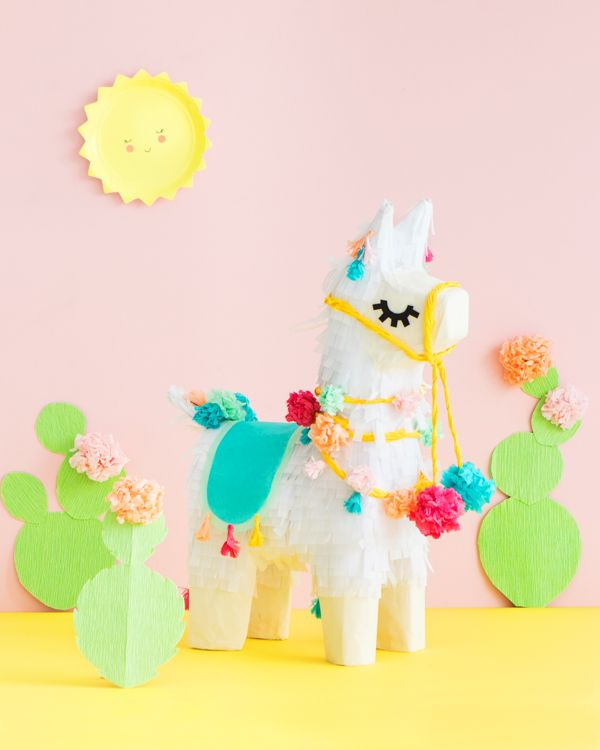 I think it can be said with little objection that llamas are adorable. For our latest piñata, we turned an everyday donkey piñata into a llama as a part of our piñata makeover series! This guy has bee