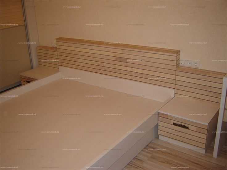 Мебель для спальниСпинка кровати из натурального дерева (ясень) с вставками из полупрозрачного акрила