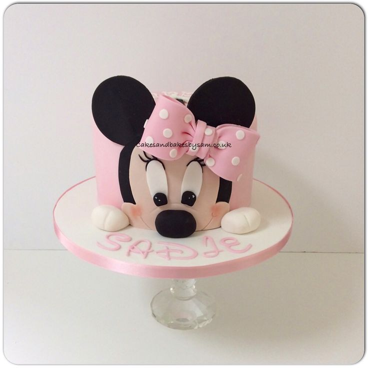 Cute pink Minnie Mouse birthday cake
