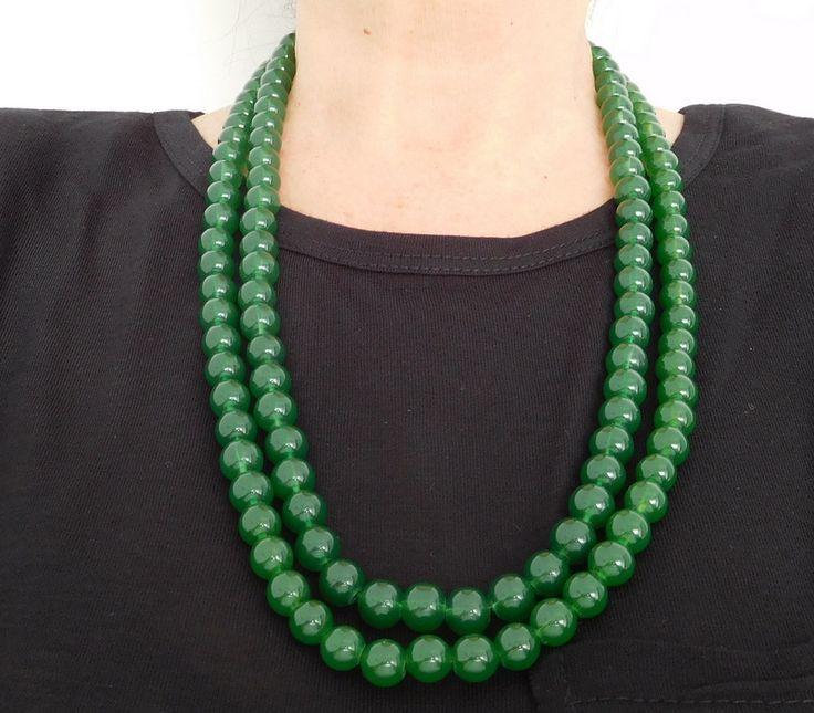 Alma mía by Josefina Muñoz Collar de perlas color verde de dos vueltas