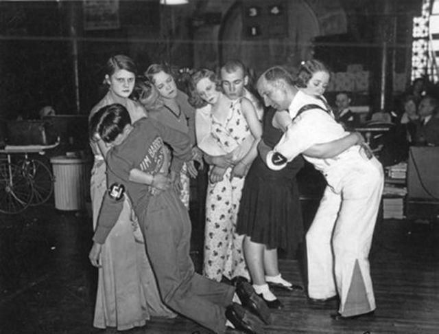 Foto na História: Maratona de dança na década de 1930                                                                                                                                                                                 Mais