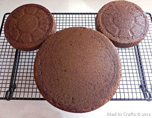 How to make a Mickey Mouse cake at home.