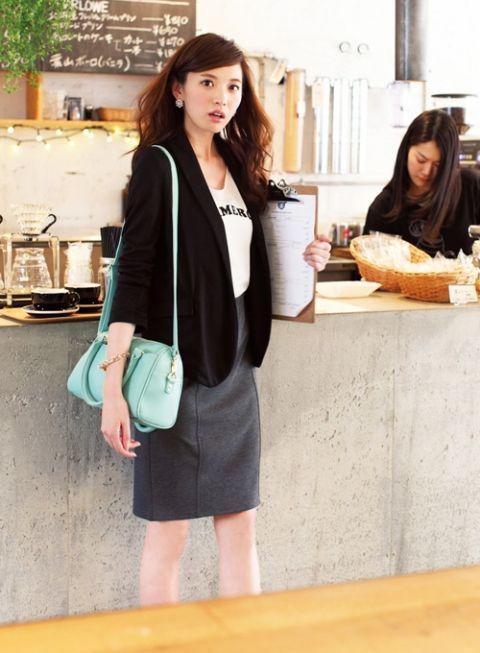 【着まわしday4】ゆるテーラードジャケット×ロゴT×カットソータイトスカート   ファッション コーディネート   with online on ウーマンエキサイト