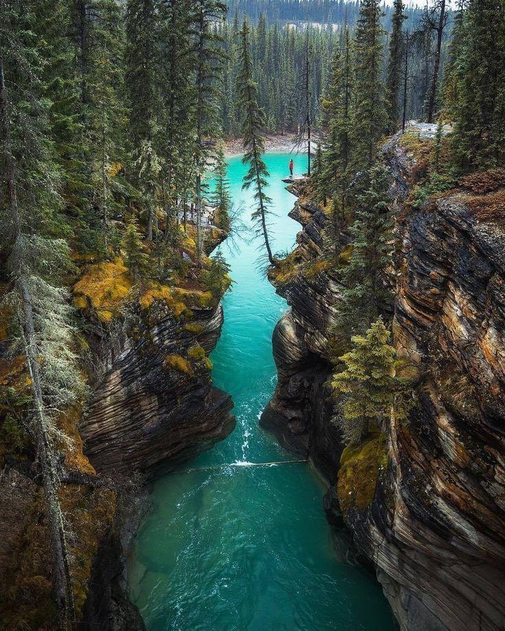The 10 Most Beautiful Villages In Canada // ©️michaelmatti