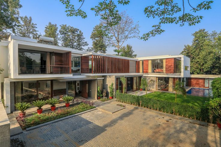 Image 1 of 17 from gallery of Gallery House / DADA & Partners. Photograph by Ranjan Sharma / Lightzone India