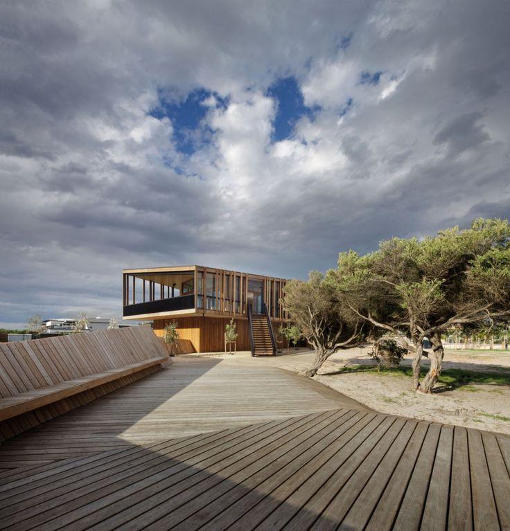 Keast Park Community Pavilion / Jackson Clements Burrows Architects