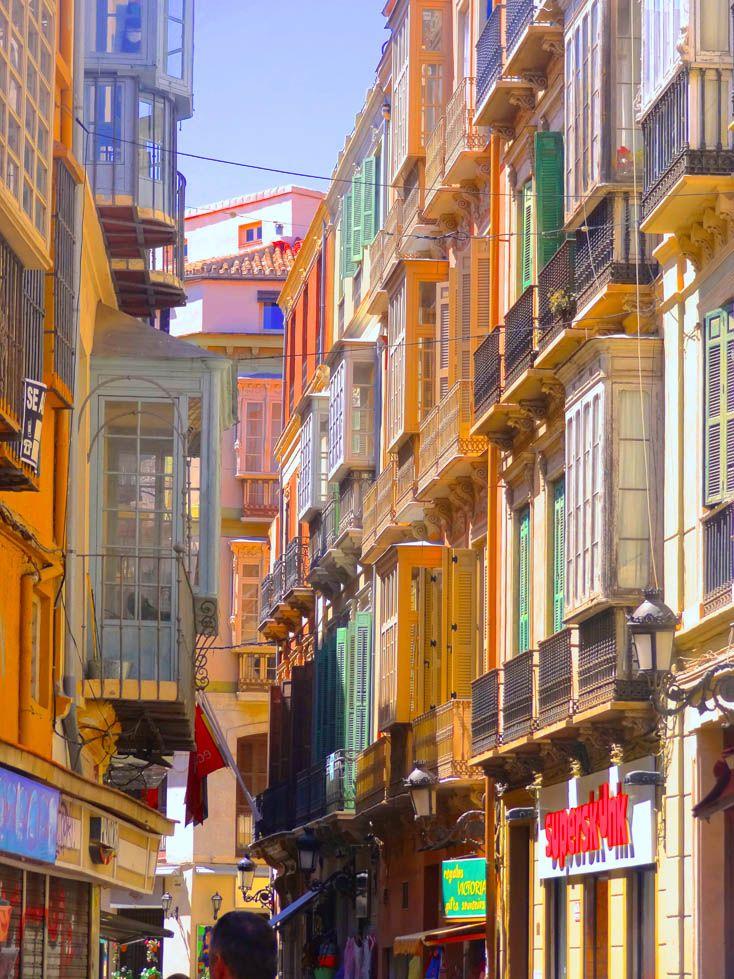 www.aprettyidea.com - Malaga - Andalusia
