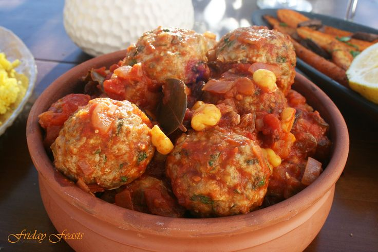 Moroccan Turkey Meatballs with Ginger, Chickpeas & Raisins Recipe  4 Vibrant Recipes For a Moroccan Thanksgiving Dinner | Friday Feasts  http://2via.me/JhVjP3GL11