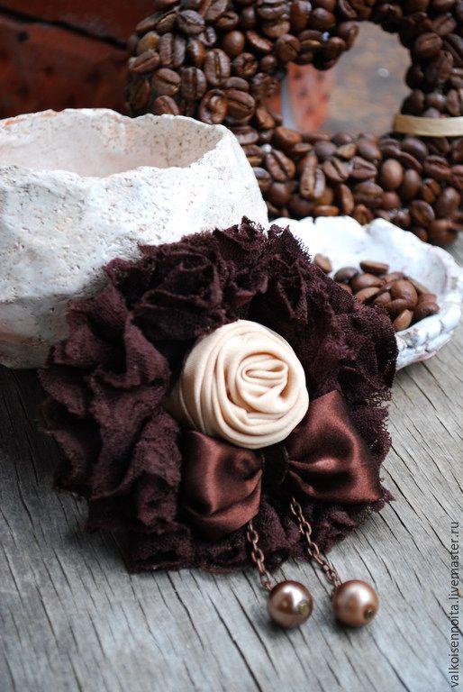 """Купить Брошь """"Латте"""" - брошь, текстильная брошь, кружевная брошь, брошь из ткани, роза-брошь"""