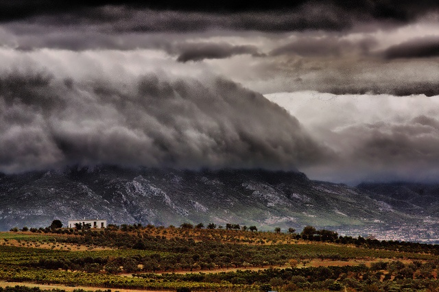 mountain HDR by Dolkin, via Flickr