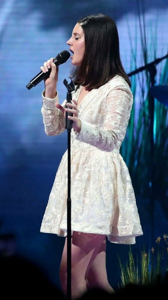 Jan.5, 2018: Lana Del Rey performs at the Target Center in Minneapolis, MN #LDR #LA_to_the_Moon_Tour