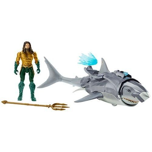 "6/"" AQUAMAN and 18/"" Warrior Shark NEW IN BOX"