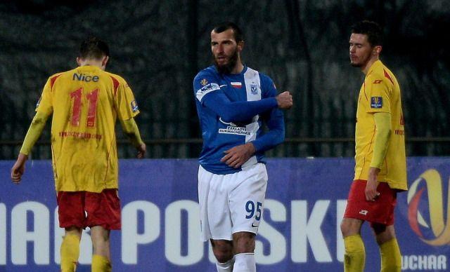 Trzy gole w pięć minut. Lech zgasił Znicz - http://sport.tvn24.pl/pilka-nozna,105/ekstraklasa,106/1-14-finalu-pucharu-polski-lech-rozgromil-znicz-w-pruszkowie,520732.html
