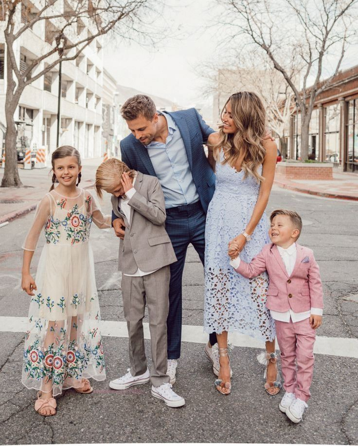 Account Suspended Summer Family Pictures Family Picture Outfits Family Photo Outfits