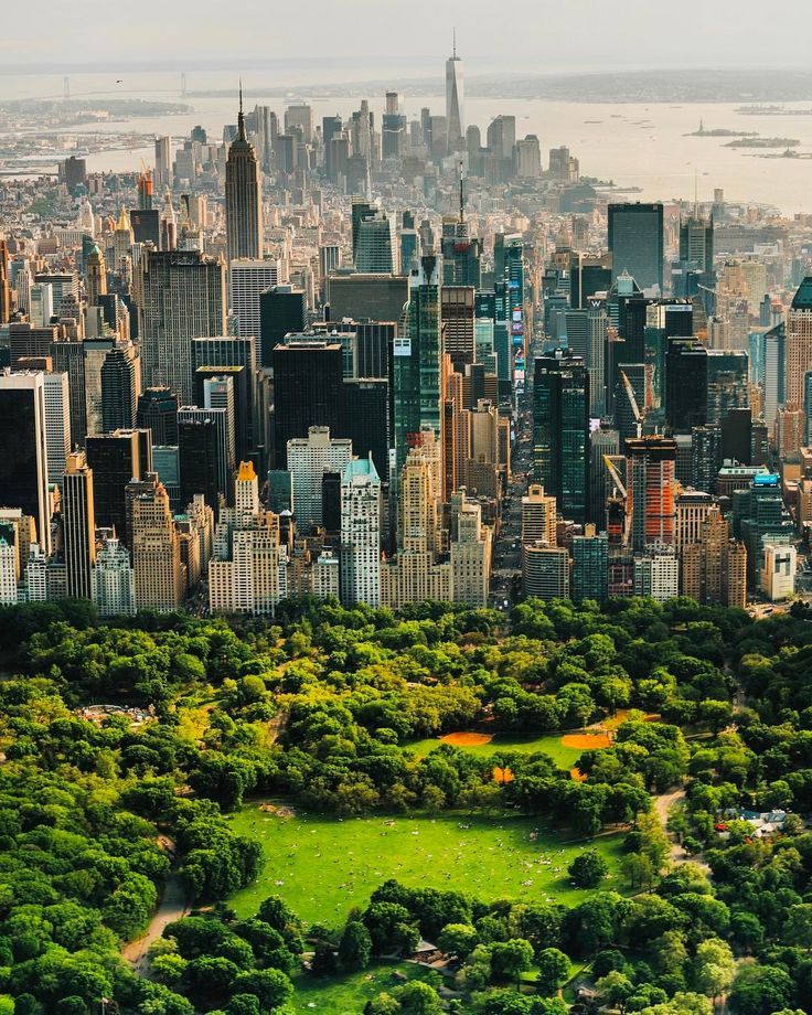 New York City, NY. It is amazing to see pictures of New York City, NY.  I visited downtown Chicago and was amazed at the beauty of Chicago.