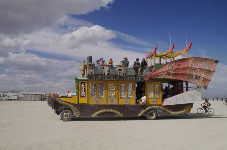 """"""":)"""" by TravelPod blogger marco-2010 from the entry """"Spécial vehicules mutants!"""" on Tuesday, September  1, 2015 in Black Rock City, United States"""