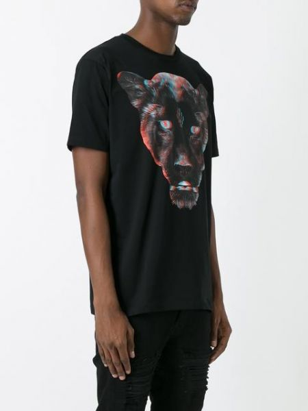 Black+cotton+'Rufo'+T-shirt+from+Marcelo+Burlon+County+of+Milan+featuring+a+round+neck,+short+sleeves,+a+straight+hem+and+a+glitched+panther+print+to+the+front. http://rfbd.cm/rp9920094d