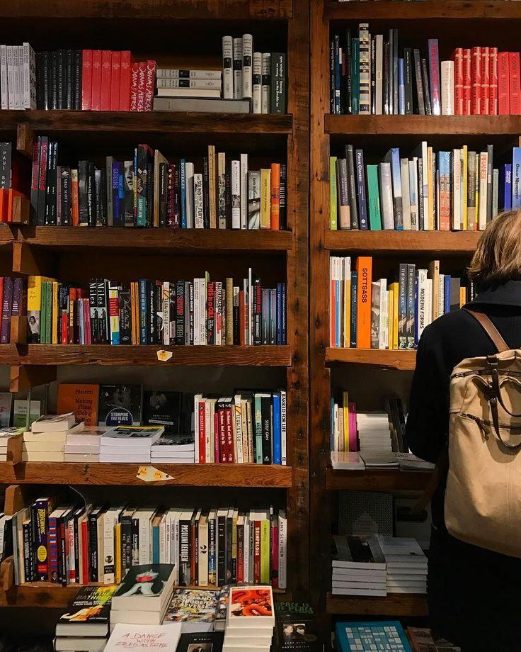 Curing the midweek slump with a bookstore stroll! 😴📖✨..#bookstagram #bookworm #reading #booknerd #instabook #books #amreading #bookstore #bookshelf #shelfie  #Regram via @penguinrandomhouse