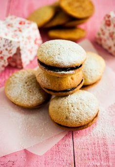 Sugar Buzz: Whoopie pies με μαρμελάδα και giveaway!
