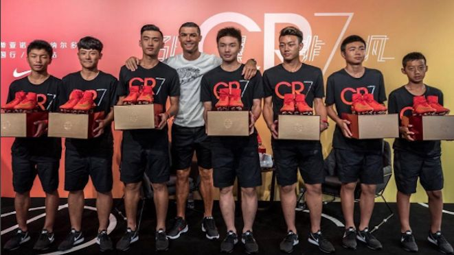 While Real Madrid takes part in the International Champions Cup in the USA, Cristiano Ronaldo undertakes a 'personal pre-season tour' of Shanghai and Beijing to meet young players, encourage the growth of football in China – and to sell a footwear product. 25.07.17