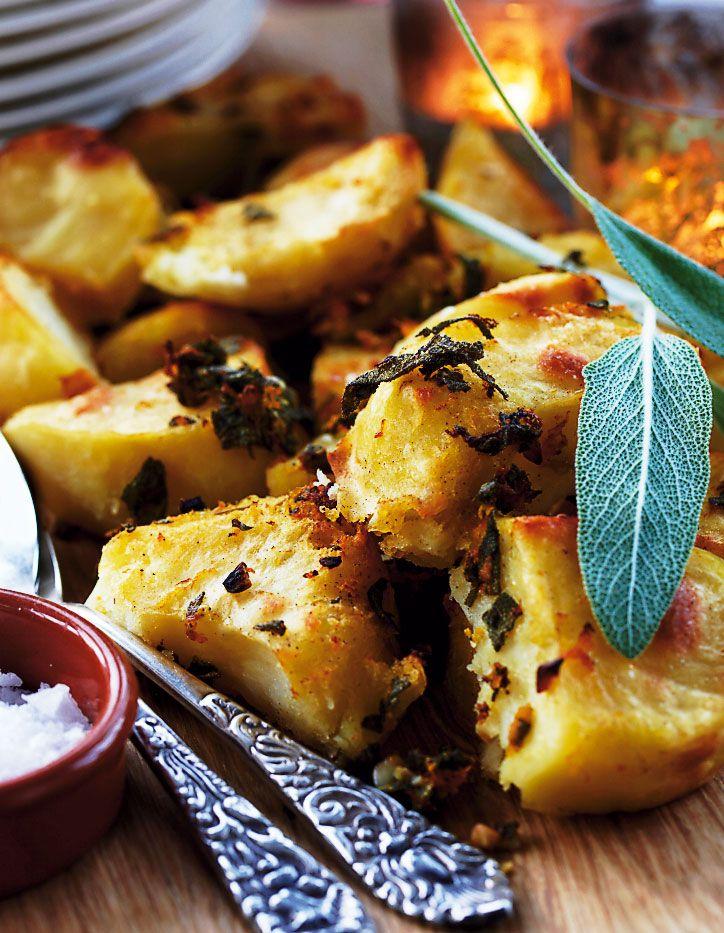 Gør som briterne og server roasted potatoes som tilbehør til kødretter.
