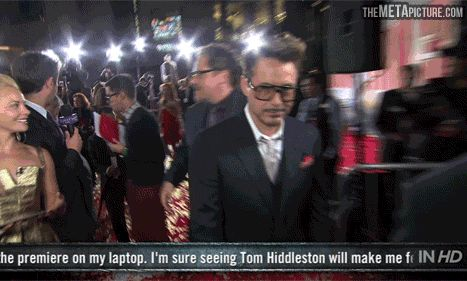How Robert Downey Jr. takes off his glasses…   i could watch this all day!
