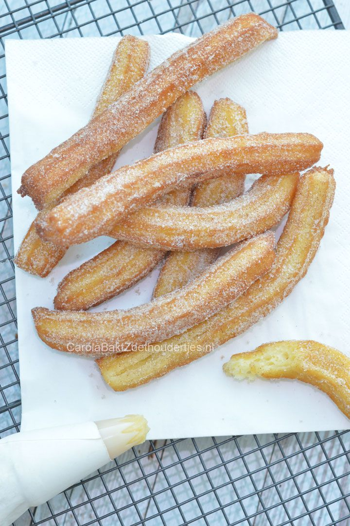 Spaanse churros zelf maken This is how to make Spanish churros!