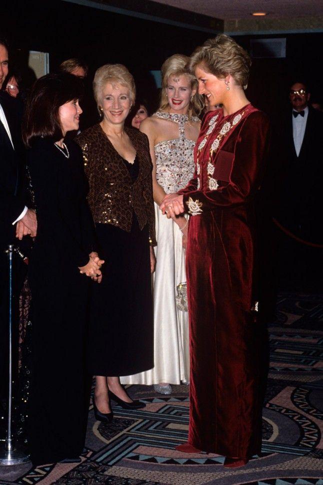 Princess Diana with Sally FIeld, Olympia Dukakis and Daryl Hannah, presumably the Steel Magnolias premiere.
