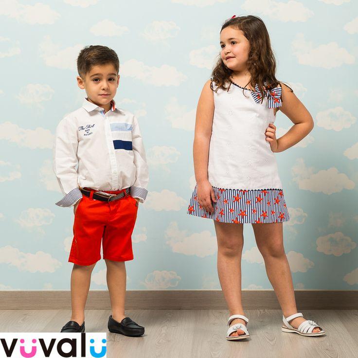 #Camisa de #Mayoral combinada con #bermudas rojas. A juego la niña con un bonito #vestido de la marca #Anavig
