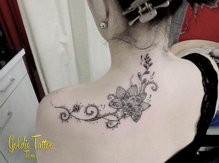 Les 26 meilleures images propos de tatouage sur - Tatouage papillon epaule ...