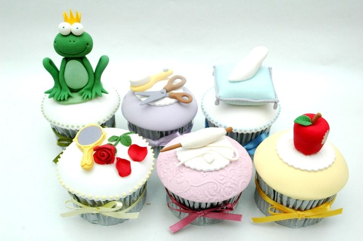 Accessory cupcakes