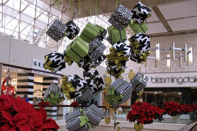 Christmas at Chestnut Hill Mall | Christmas decorations at t… | Flickr