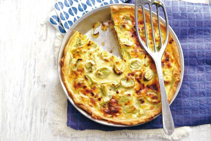 Kaas en prei zijn voor elkaar gemáákt, zeker in deze quiche met hartige taartdeeg. Heerlijk smullen met als extra'tje rauwe ham! - Recept - Allerhande