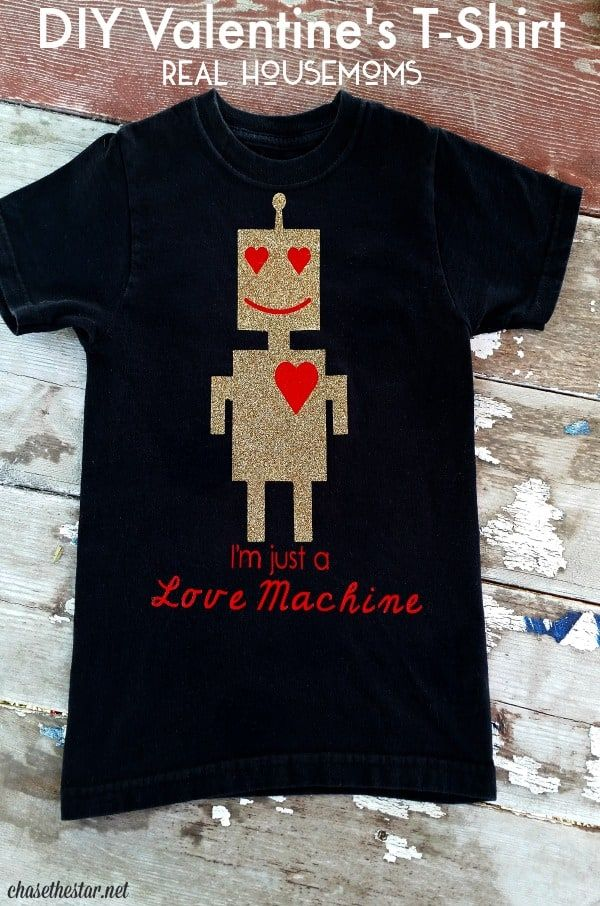 93e8d7c4 DIY Valentine's robot T-Shirt made with cutting machine and vinyl | Clothes  for the KIDS that you can make | Valentine t shirts, Valentines diy, ...