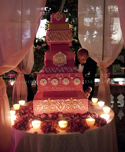 Summer Wedding in Rome #wedding #rome #weddingplanner #enzomiccio #flowerdesign #candle #decoration #weddingcake