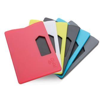 Porta carta di credito mod.P820.321 è stato pensato per bloccare i malintenzionati dallo scannerizzare la tua identità, la tua carta di credito, le tue informazioni bancarie e tutte quelle carte che utilizzano la tecnologia RFID.