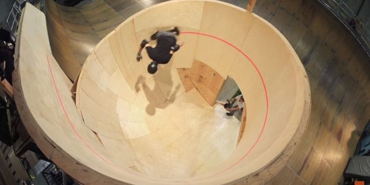 Tony Hawk shreds a horizontal loop Is there nothing 'The Birdman' can't do? At 47 he adds this rad horizontal loop to his trick-list >> https://www.adaptnetwork.com/sports/skate/tony-hawk-shreds-a-horizontal-loop/